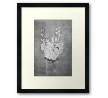 flores Framed Print