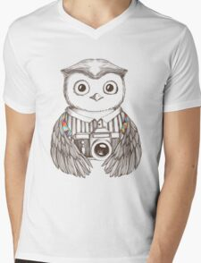 Drawing owl with camera Mens V-Neck T-Shirt