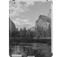 Yosemite Valley View iPad Case/Skin