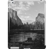 Yosemite Valley View 2 iPad Case/Skin