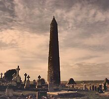 Round tower,Ardmore by mikeloughlin
