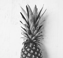 Black and white pineapple by allysonjohnson