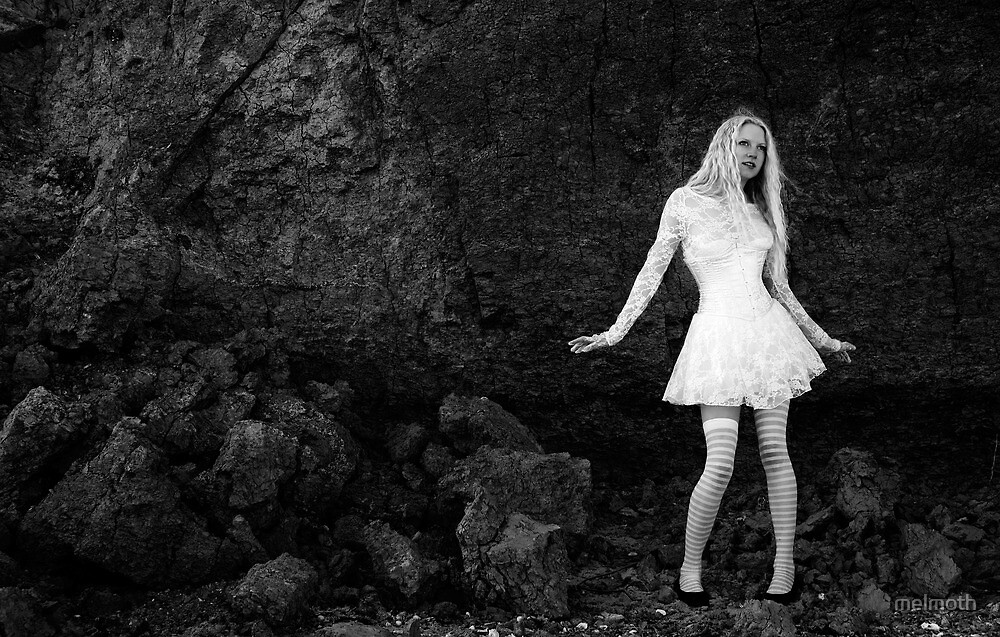 Alice at the Cliff Face by melmoth