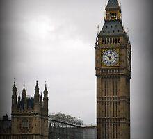 Big Ben in the Rain by RTurley