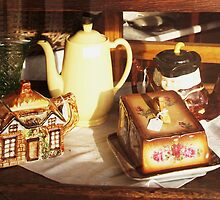 ... but i'm a butter dish ! by Kazzii