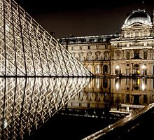 Le Louvre by runnerpaul