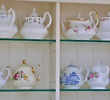 An Array of Teapots by lezvee