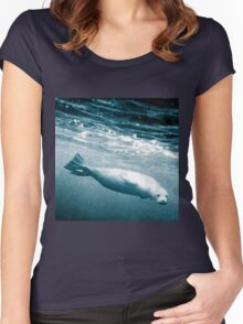 Seal Below the Surf Women's Fitted Scoop T-Shirt