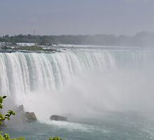 Niagara Falls by kathiemt