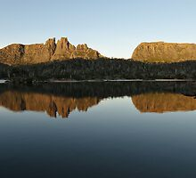 Mt Geryon and the Acropolis, Tasmania by tasadam