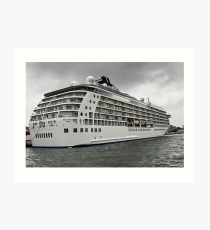 The World Cruise Ship Art Print