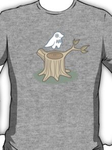 ghost bird and tree trunk T-Shirt