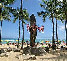 Duke Paoa Kahanamoku Statue at Waikiki Beach by aura2000
