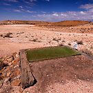 Par 4 - 265 meter - Coober Pedy by Hans Kawitzki