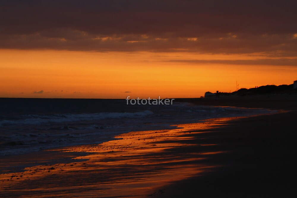 golden Rota, Spain sands by fototaker