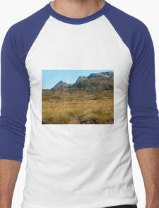Cradle Mountain with Button Grass, Tasmania, Australia. Men's Baseball ¾ T-Shirt