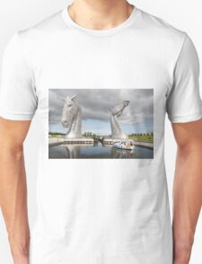 The Kelpies sculptures  T-Shirt