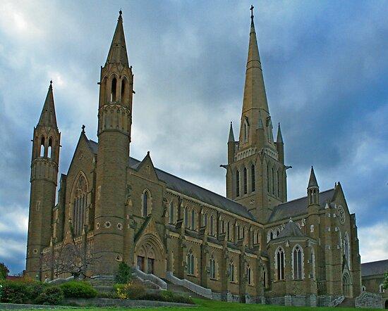 Sacred Heart Cathedral - Bendigo by Mike Doran