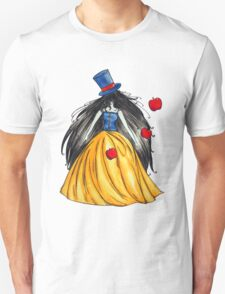 Who is the mad hatter ? Snow White | Blanche Neige  T-Shirt