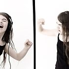 Diptych portraits in interaction #9 : accoustic by Richard Vantielcke