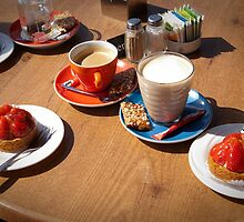 Summer Coffee and strawberry cake by steppeland