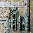 Town gate lock by bubblehex08