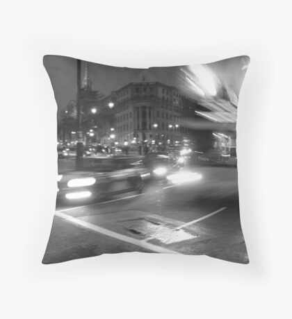 night moves - London Throw Pillow