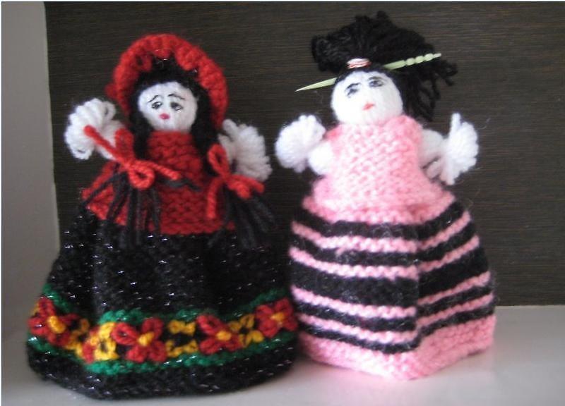 Twin Sister Dolls  by dollseller