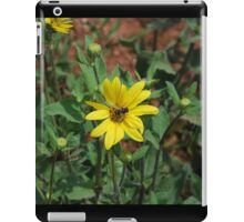 Bumble Bee on Flower iPad Case/Skin