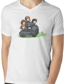 Girls und Panzer Mens V-Neck T-Shirt