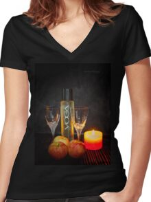 Chic and Wine Women's Fitted V-Neck T-Shirt