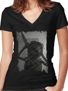Muppet Maniacs - Kermit Bates Women's Fitted V-Neck T-Shirt