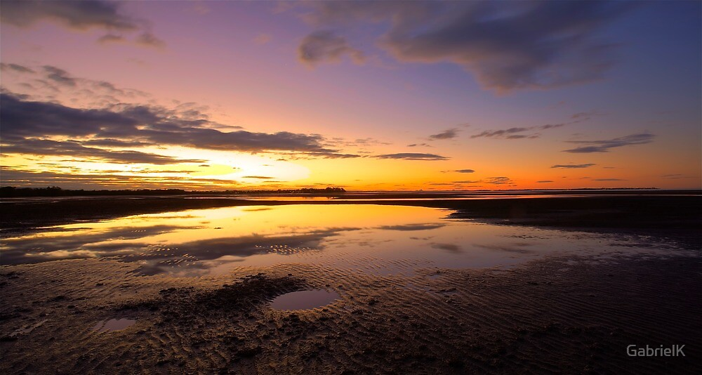 Nudgee beach by GabrielK