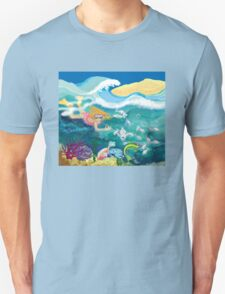 Swimming with the fish Unisex T-Shirt