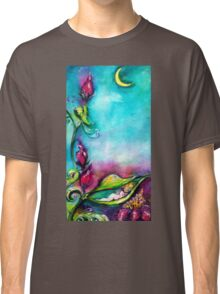 THUMBELINA SLEEPING BETWEEN ROSE LEAVES Classic T-Shirt