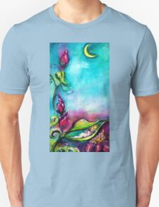 THUMBELINA SLEEPING BETWEEN ROSE LEAVES Unisex T-Shirt