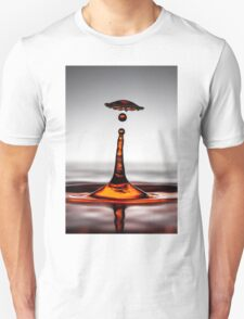 Cool water drop splash umbrella T-Shirt