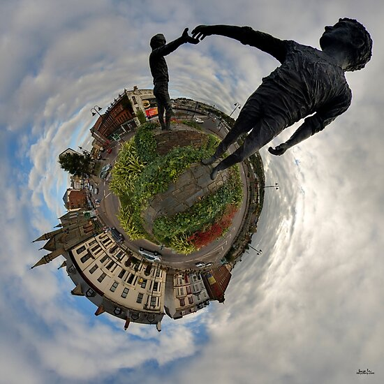 Hands Across the Divide, Derry by George Row