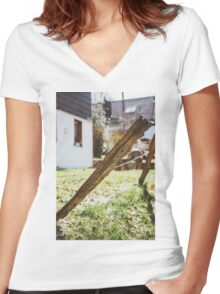Old Rural Fence Women's Fitted V-Neck T-Shirt
