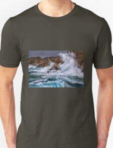 Gale with huge waves crashing Unisex T-Shirt