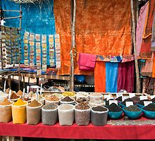 Spice stall in Anjuna market, Goa by Alan Gillam