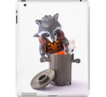 Hold up! What's a raccoon? iPad Case/Skin
