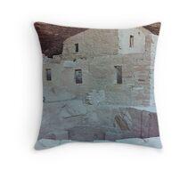 Spruce Tree House,Mesa Verde, Colorado, USA (Y) Throw Pillow