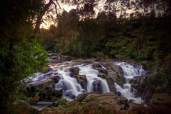 Early evening at Mclaren falls by Paul Mercer