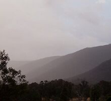 Storm over Mt. William Range by mthom
