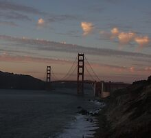 the Golden Gate Bridge from the bluffs by fototaker