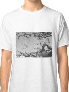 undying tree Classic T-Shirt