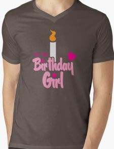 I'm the Birthday girl with candle pink HAPPY BIRTHDAY! Mens V-Neck T-Shirt