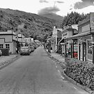 High Noon in Arrowtown. by Larry Lingard-Davis