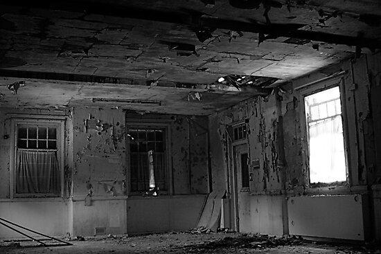 Harperbury - Window by Richard Pitman